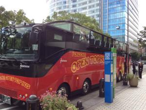 福岡の新たな新名物!2階建てバス「福岡オープントップバス」