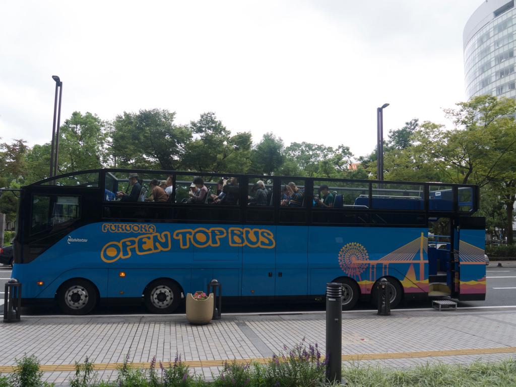 オープントップバス12